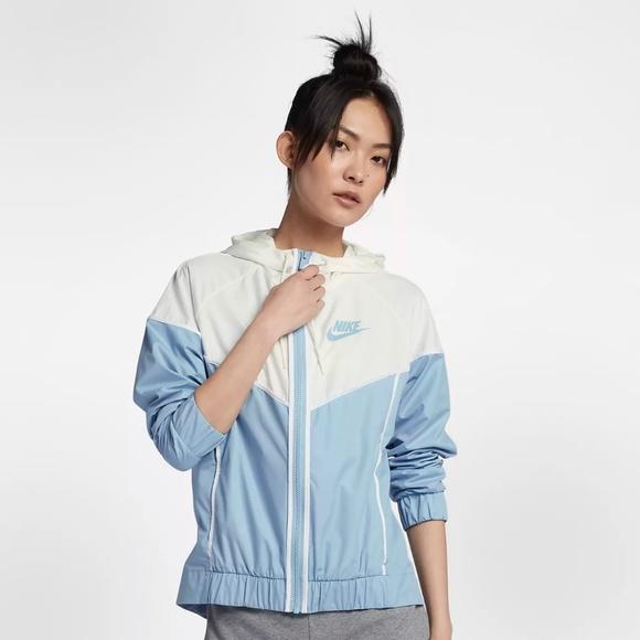 Nike Sportswear Windrunner running jacket leche bluesail